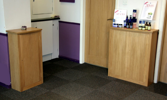bridgecentre2cupboardsinoak