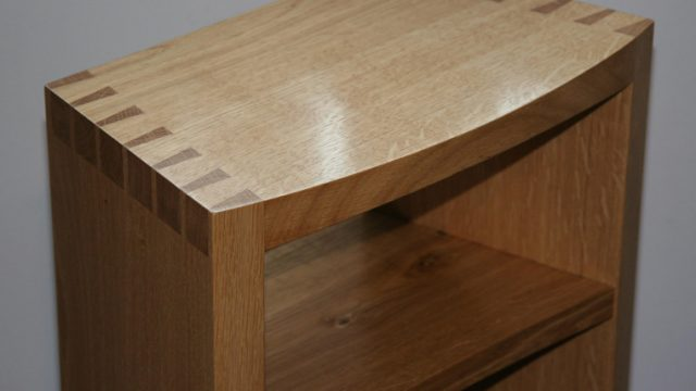 Console Dove-table with shelf